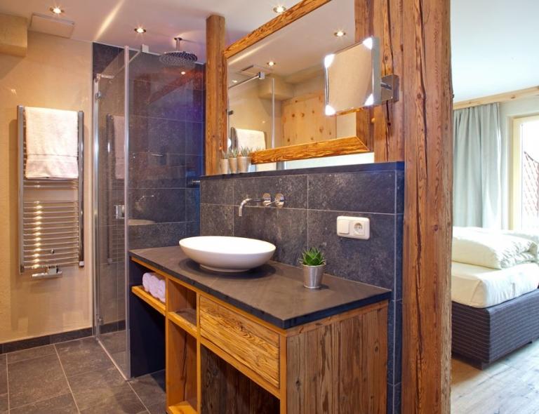 Waschbecken mit Dusche