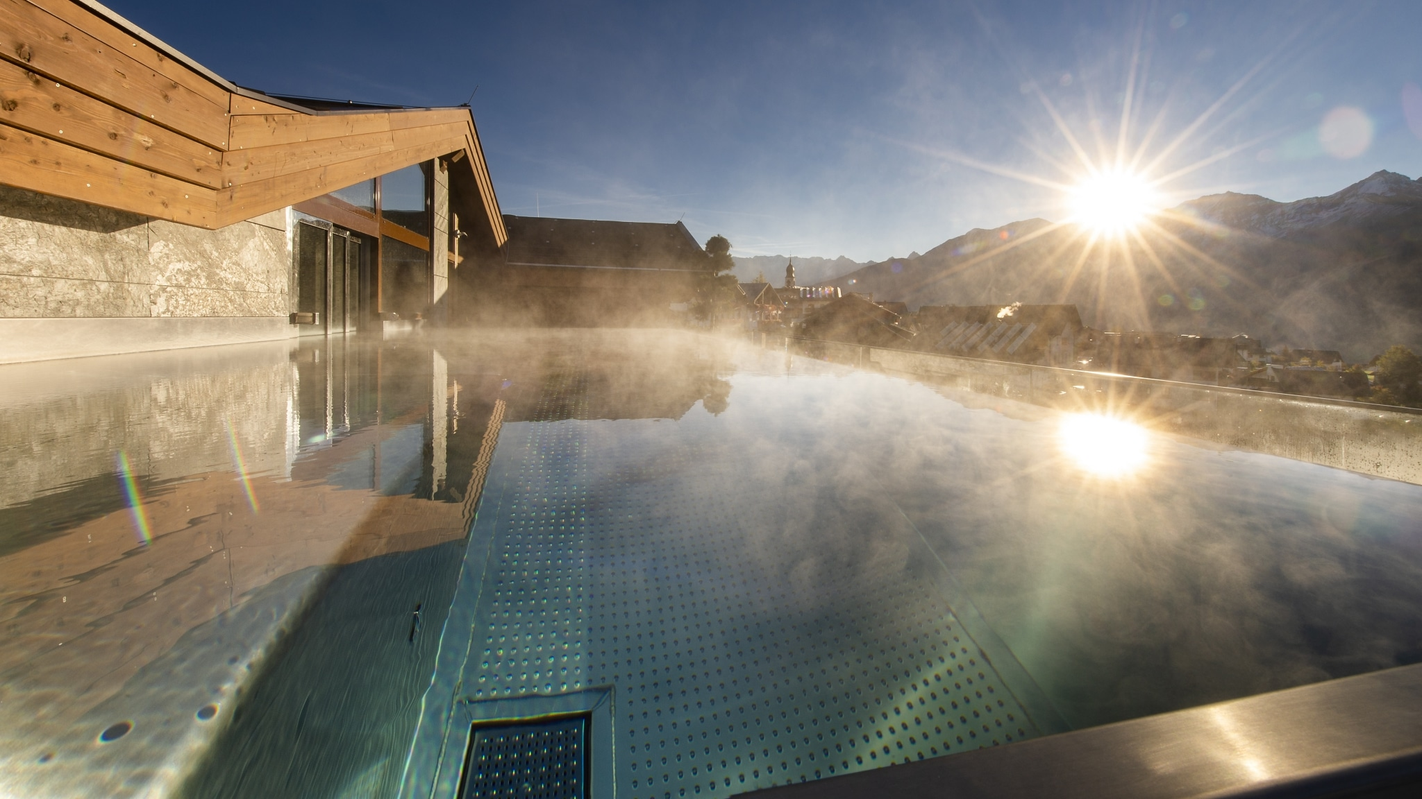 Infinit-Pool Sonnenaufgang