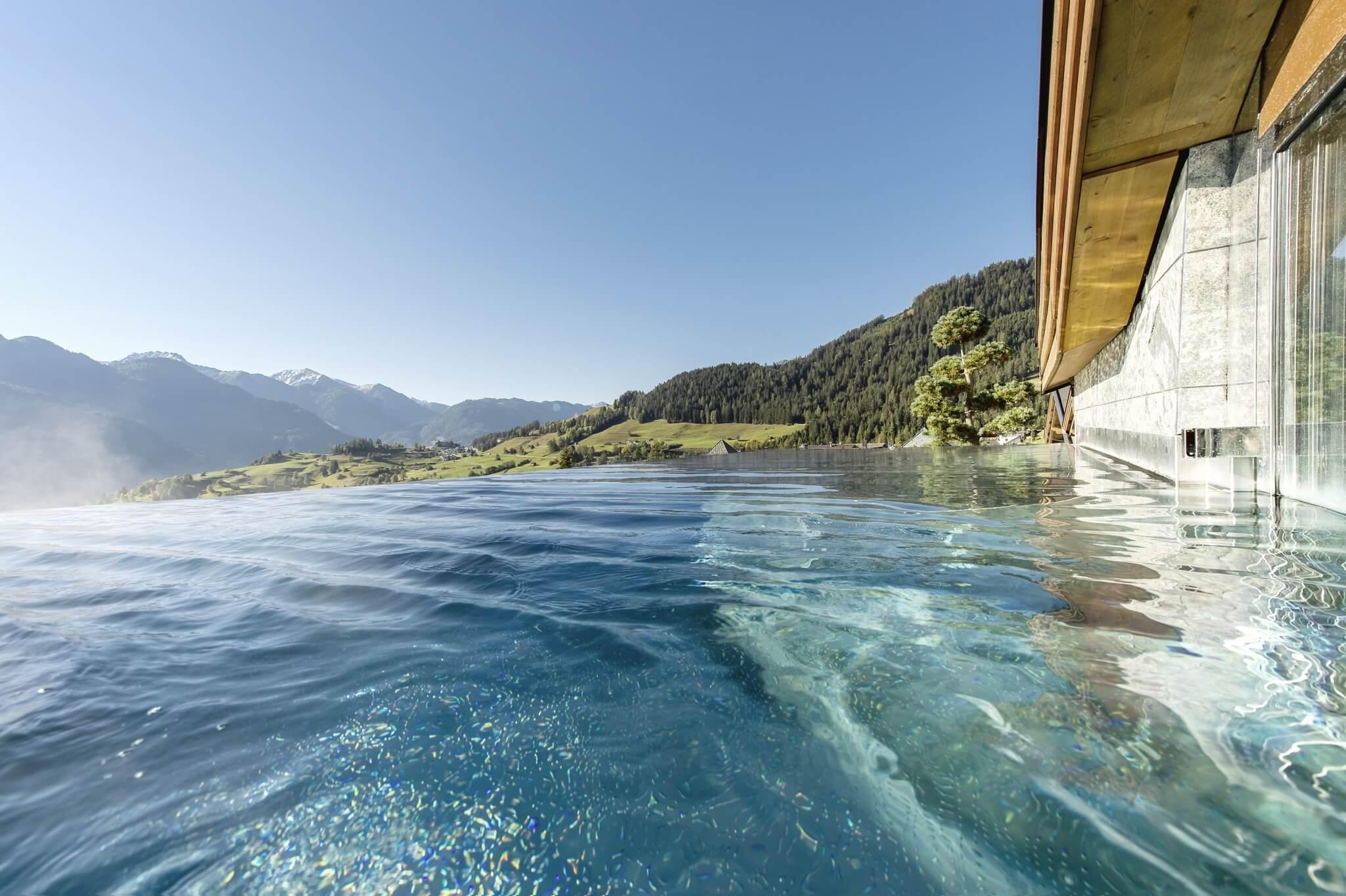 Infinity Pool im Hotel Tirol