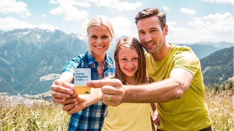 Familie mit Super Sommer Card