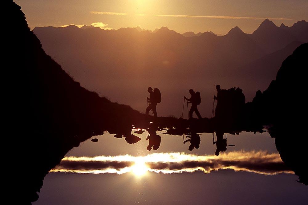 Hiking Hotel in Fiss Lifestyle Hotel Tirol Serfaus Fiss Ladis Tyrol Austria sundowner hiking-(c)-www.lightwalk.de